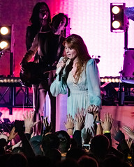 Florence and the Machine 12/09/2018 #21 (jus10h) Tags: florence welch themachine florenceandthemachine theforum forum inglewood losangeles california live music concert festival fest kroq almost acoustic christmas sunday december 9 2018 justinhiguchi sony dscrx10 dscrx10m3