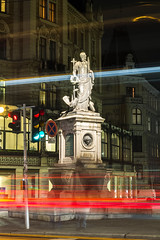 Margaretenbrunnen, Margareten, Wien (KarlOplustil) Tags: stadt city nacht night wien vienna vienne österreich austria autriche longexposure langzeitbelichtung lights licht lichter statue denkmal brunnen fountain margareten