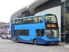 Rosso 426 (BF62UXW) 06112018a (Rossendalian2013) Tags: transdevblazefield transdev rossendaletransport rosso bus rochdale interchange volvo b9tl wright eclipsegemini bf62uxw yorkshirecoastliner