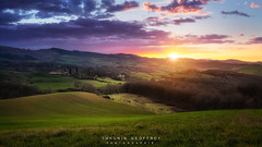 Sun set Ariège #10 (Thaurin Geoffrey Photographie) Tags: france ariege landscape paysage nature sun sunset sunlight light soleil coucher ciel sky cloud nuage montagne moutain amateur love picture photoshop lightroom sony a7ii breacketing hdr green tree forest foret arbre me