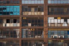 Fachada Mondrain (La nesto de la lango) Tags: bilbao euskadi decrépito fachada fachadas basquecountry spain frontage abstracto abstract building edificio decay