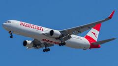 OE-LAW (gankp) Tags: washingtondullesinternationalairport arrivals airplanespotting planes
