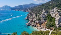 Cala Gonone-Sardinia-Italy (johnfranky_t) Tags: sardegna calagonone johnfranky t samsung s6 galaxy scogliera alberi cespugli grotte massi imbarcazioni italia italy cerdeña mare nuvole panorama insenature ombrelloni