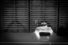 Réquisition du Gymnase Saint-Sernin (Solylock) Tags: 31000 abisto collectifabisto fujifilm femmes hommes manifestation rassemblement toulouse xt1 canon canon70d 70d tamron requisition dal dal31 gymnase saintsernin familles enfants sansabris dessin bébé baby loirequisition loi hautegaronne haute garonne noiretblanc nb bw blackandwhite documentaire documentary street photography photoderue rue streetphotography reportage logement