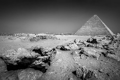 Great Pyramid of Giza, Egypt (pas le matin) Tags: travel voyage world nb bw noiretblanc blackandwhite monochrome pyramid pyramide egypt égypte afrique africa antique antiquity architecture rocks ruines ruin rochers sand sable canon 7d canon7d canoneos7d eos7d greatpyramid cairo le caire lecaire giza gizeh greatpyramidofkhufu pyramidofkhufu pyramidofcheops pyramidedekhéops grandepyramidedegizeh khufu cheops khéops