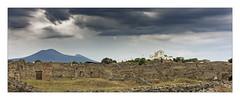 Les ruines de Pompei (Jean-Louis DUMAS) Tags: pluie orage sky ciel storm nuage cloudly cloud eglise italie italia arbre tree tour parc ruines landscape paysage volcan vésuve