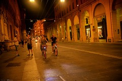 Voyage en Italie 2018   0888 (Distagon12) Tags: italy italia italie sonya7rii summilux street streetphoto strada rue night nuit nightphoto nacht notte noche wideaperture bologna bologne