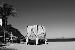 cloud9 (Sibila Ribeiro) Tags: br brasil canon canonphotography peb bew bw pb pretoebranco blackandwhite blacknwhite noir beach seaside beachside praia praiadascaravelas praiadecaravelas rj riodejaneiro armaçãodosbúzios armaçaodosbuzios búzios búziosbeach armacaodosbuzios photography sibilaribeiro sibilaribeirof sibila ribeiro trip roadtrip ig instagram sun