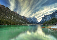 La strada che mai perdo ... (Gio_guarda_le_stelle) Tags: dolomiti dolomites dolomiten italy toblach reflection landscape lake atmosphere luce light cool snow calm peaceful boat