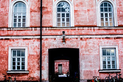 Suomenlinnan punainen (Slavato) Tags: architecture artistic suomenlinna finland suomi