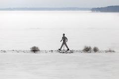Dubbelgångaren (Steffe) Tags: skulptur kentkarlsson visionervidvatten roxen lake winter sweden götakanal berg östergötland vågbrytare breakwater sculpture