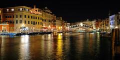 Classico Venezia Part II (ej - light spectrum) Tags: venezia venedig venise venice italia italy italien night nacht reflection spiegelung fujifilm xt2 fujinon xf1024mmf4r rialto canalegrande 威尼斯 ヴェネツィア