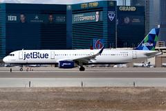 jetBlue Airways | Airbus A321-200 | N934JB | Las Vegas McCarran (Dennis HKG) Tags: aircraft airplane airport plane planespotting canon 7d 100400 lasvegas mccarran klas las jetblueairways jetblue jbu b6 airbus a321 airbusa321 sharklets n934jb