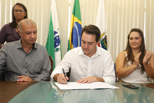 Assinatura de Ordem de Serviço - Prefeitura de Araucária