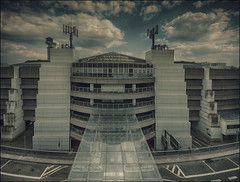 Sheraton-Airport-Hotel (softlight2) Tags: motive architektur profanbauten hotel airport düsseldorf bearbeitungstechniken himmel