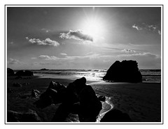 DSC09027_DxO (Jacquod1) Tags: mer nature noirblanc nuages plage reflet bretagne sable