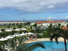 2016-09-24 10.21.39 (jccchou) Tags: okinawa 沖繩 琉球 japan hotel swimming pool