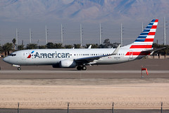 American Airlines | Boeing 737-800 | N887NN | Las Vegas McCarran (Dennis HKG) Tags: aircraft airplane airport plane planespotting oneworld canon 7d 100400 lasvegas mccarran klas las american americanairlines aal aa usa boeing 737 737800 boeing737 boeing737800 n887nn