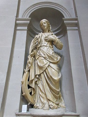 St. Catherine statue in niche, Église Saint-Polycarpe, Lyon, France (Paul McClure DC) Tags: lyon france july2017 auvergnerhônealpes architecture historic church sculpture lacroixrousse
