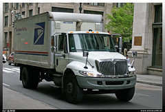 "International Durastar ""USPS"" (uslovig) Tags: usps united states postal service post international navistar truck lorry camion camiones lkw lastwagen lastkraftwagen usa hauber conventional wedeliverforyou we deliver for you new york city ny manhatten"