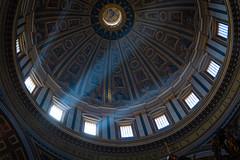 Petersdom, Rom (gaengler) Tags: rom römisch romantisch stadt city metropole vatican lichtstrahlen beleuchtung history geschichte antik antike