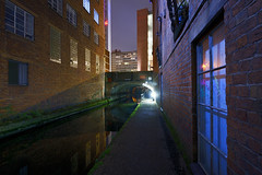 Birmingham & Fazeley Canal, Near Ludgate Hill Bridge 24/11/2018 (Gary S. Crutchley) Tags: birmingham and fazeley canal ludgate hill uk great britain england united kingdom urban west midlands westmidlands nikon d800 history heritage local night shot nightshot nightphoto nightphotograph image nightimage nightscape time after dark long exposure evening travel street slow shutter raw city navigation cut inland waterway bcn narrowboat lock walsall junction wyrley essington canalscape scape