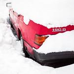 Car stuck after extreme snowfall thumbnail