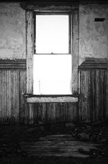 Open Space (ⓦeͤ █ iͥ rͬ dͩLiͥ █ G̷̃̊̏̂̓͂̅) Tags: abandoned asbestos decay urbex urbanexploration creepy abstract exposure mono monochrome blackandwhite bw building interior school colorado