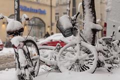 gefrorene gefährte (dadiolli) Tags: munich münchen haidhausen winter snow schnee fahrrad bike