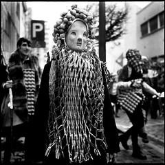 Carnaval Sauvage de Bruxelles 2019 (Laurent Orseau) Tags: carnaval carnavalsauvage brussels costume mask bw blackandwhite rolleiflex 6x6