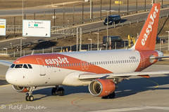 G-EXRX Airbus A320 Easyjet Munich airport EDDM 18.02-19 (rjonsen) Tags: plane airplane aircraft aviation airliner airside golden light hour taxying airport