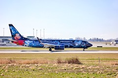 Walt Disney World 737 (timothy8610480) Tags: worldofspotting airport britishcolumbia canada planespotter aircraft plane photography canon yvr disneyworld westjet boeing737800 737 disney