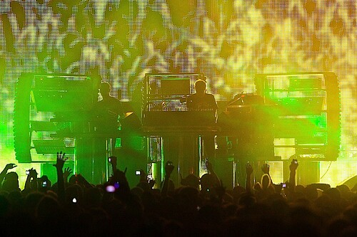13_EZ2010_ChemicalBrothers-Proof_BSK-5668