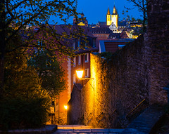 Altstadt (michael.muench2) Tags: altstadt architektur blauestunde drausen dunkel kirche licht laterne stadtansicht stadtaufnahme strasenlaterne treppen wahrzeichen würzburg outside dark church cityscape city light lantern streetlamp stairs monument architecture oldtown