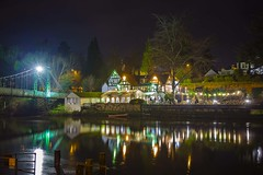 The bridge, the pub and the river. (foto.pro) Tags: night winter december boxing boathouse pub bridge river severn shrewsbury pongexposure