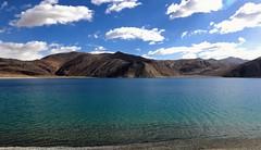 United colors of Pangong Tso.. (Bodhisotto) Tags: lakesofindia lakes lake pangong pangongtso enchantingladakh ladakh saltwaterlakes blue