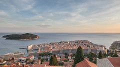 Dubrovnik (Roger_T) Tags: 2018 canon5dmarkiv eveninglight kroatien eveningmood dubrovnik canon evening abendlicht dalmacija abendstimmung mediterraneansea mediterranean abend canonef1635mmf4lisusm islandlokrum hrvatska croatia
