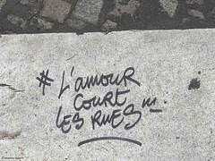 l-amour-court-les-rues© (alexandrarougeron) Tags: photo alexandra rougeron ville paris art urbain flickr style création rue