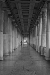 Berlin 9 (Lennart Arendes) Tags: canon eos 1n analog film 35mm kb kodak trix 400 d76 berlin nationalgalerie museum arcade column rainly rain wet light shadow people black white