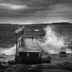 20181130_0524-Edit (Juha Forsberg) Tags: red finland helsinki lauttasaari