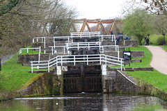 Field Lock Esholt (jdathebowler Thanks for 4 Million + views.) Tags: barge leedsliverpoolcanal canalsystem towpath canalandrivertrust three rise lock