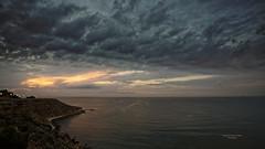 Crepúsculo de amanecer (Fotgrafo-robby25) Tags: alicante amanecer costablanca marmediterráneo nubes rocas sonyilce7rm3