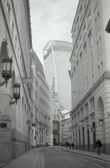 City (Myahcat) Tags: 35mm film blackandwhite analogue monochrome ilford fp4 fp4party yashica yashicafri london street city buildings