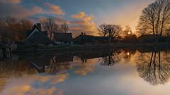 Flatford Mill (pboolkah) Tags: canon canon5d canon5dmkiv flatford reflections reflection sunrise sun