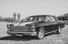 Ford Galaxie BW (Arranion) Tags: car motor motoring auto automobile ford galaxie galaxy v8 classic vintage old oldschool black white blackandwhite bw canon 5d