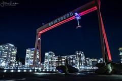 David and Goliat (Fredrik Lindedal) Tags: crane gothenburg göteborg structure night lindedal eriksberg sweden sverige