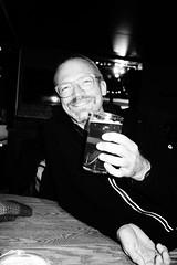 Lachen ist gesund (kalakeli) Tags: karsten freunde friends island iceland september 2018 pub bw sw schwarzweis