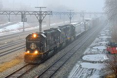 Fog on the Lakefront (Robby Gragg) Tags: ic sd70 1001 chicago