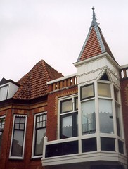 Alkmaar (micky the pixel) Tags: alkmaar gebäude building architektur erker fenster window dach roof holland provinznordholland niederlande netherlands