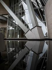 Paris 2019: Reflection perfection (mdiepraam) Tags: paris 2019 fondationlouisvuitton architecture building grotto pond reflection pillar
